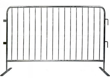 Metal Pedestrian Control Barriers / Crowd Control Barricades Rust Resistance